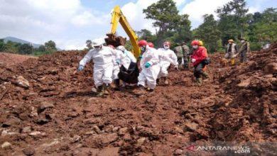 Photo of Longsor Sumedang: 24 Meninggal Dunia, 16 Orang masih Dicari