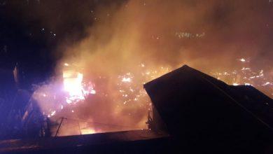 Photo of Haruna Tewas, Ratusan Orang mengungsi, Kebakaran Landa Pemukiman di Balikpapan