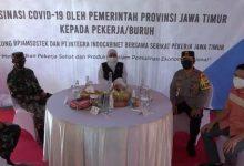 Photo of Kapolda dan Pangdam Brawijaya Dampingi Gubernur Jatim Pantau Serbuan Vaksinasi Berbasis Pekerja
